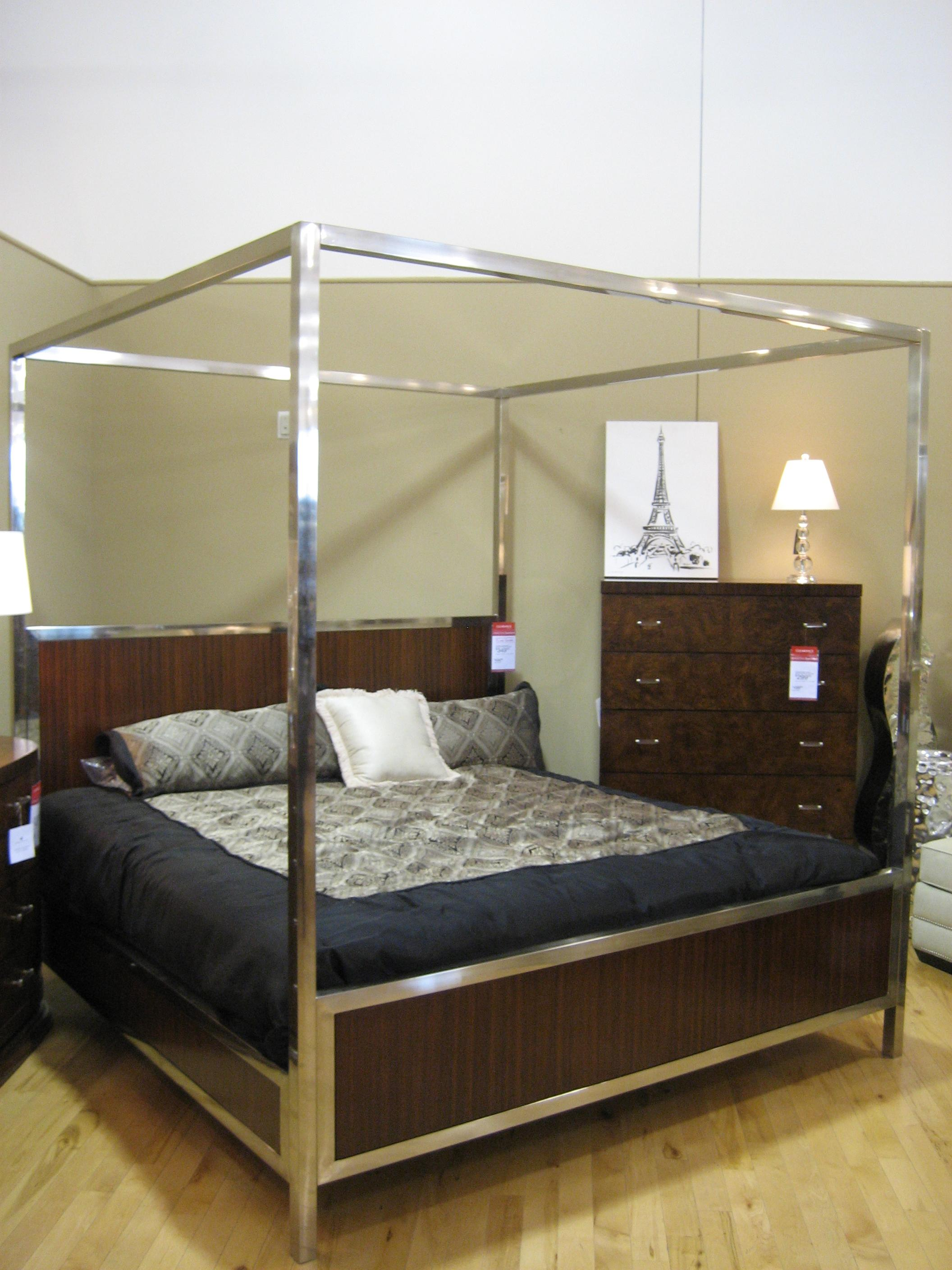 Bed_1_(2283680979)